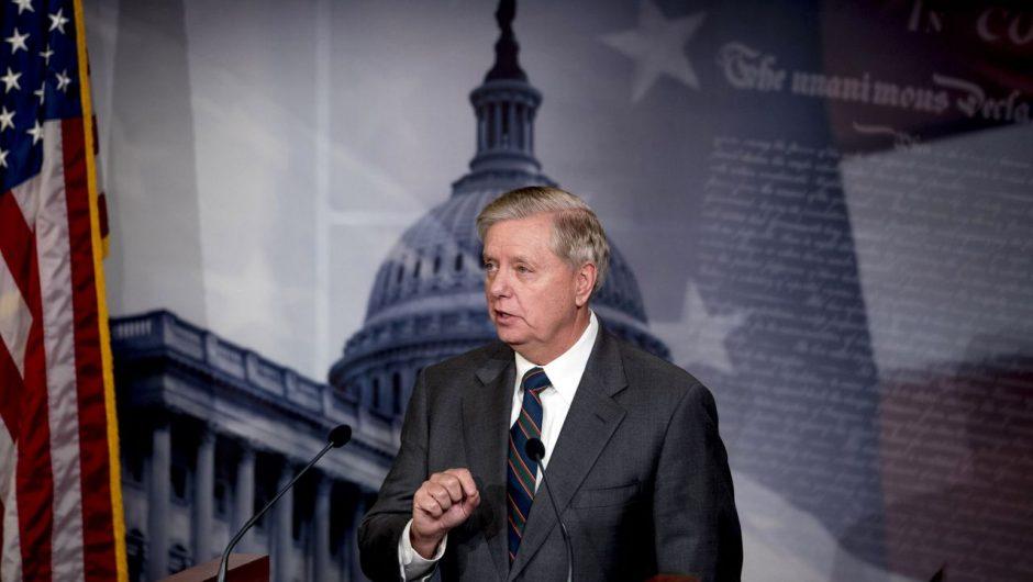 Handful of GOP senators threaten to delay Senate coronavirus bill over unemployment payments