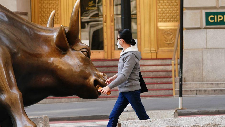 World's wealthiest sticking with stocks despite coronavirus crisis