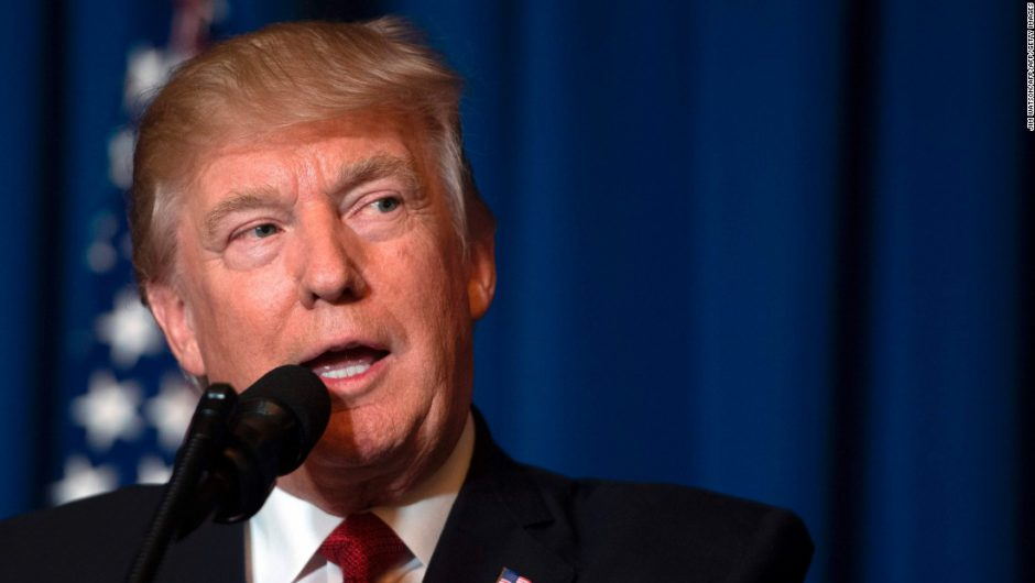 Trump claims he will temporarily suspend immigration into US due to coronavirus fears