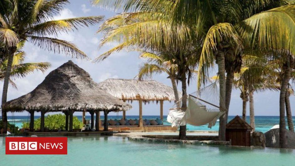 Coronavirus: Branson offers Caribbean island to secure Virgin bailout