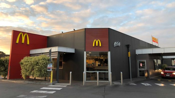 Coronavirus outbreaks at Victorian McDonald's and Cedar Meats abattoir grow