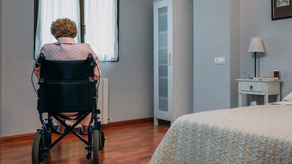 Elderly suffer unusual coronavirus symptoms such as feeling dizzy, doctors warn – The Sun