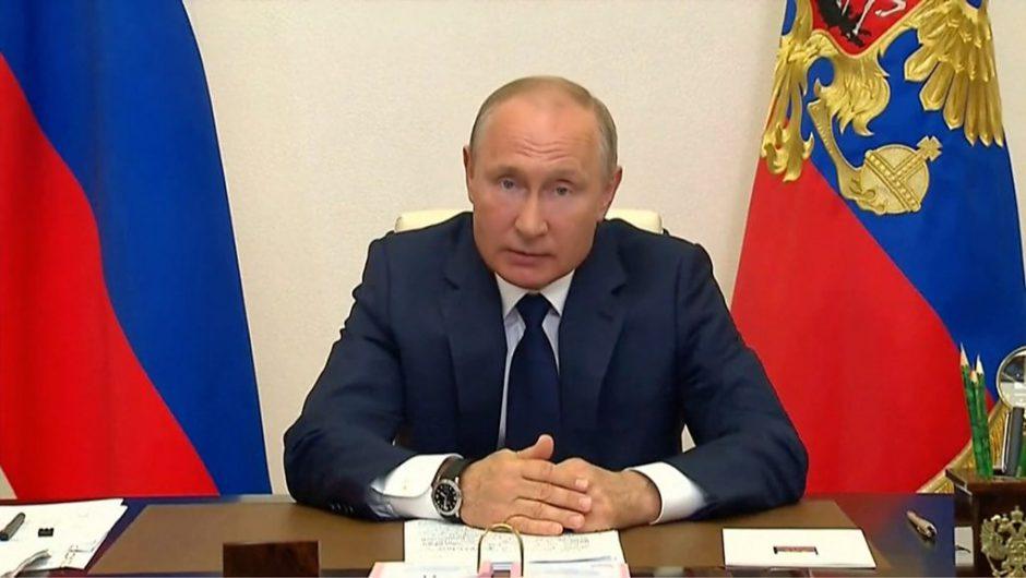 Coronavirus: Is Putin rushing Russia out of lockdown?