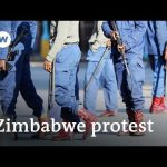 Zimbabwe police beat anti-government protesters in Harare | DW News