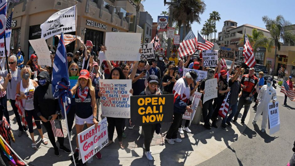 Huntington Beach photos comparing coronavirus protest, BLM protest are real