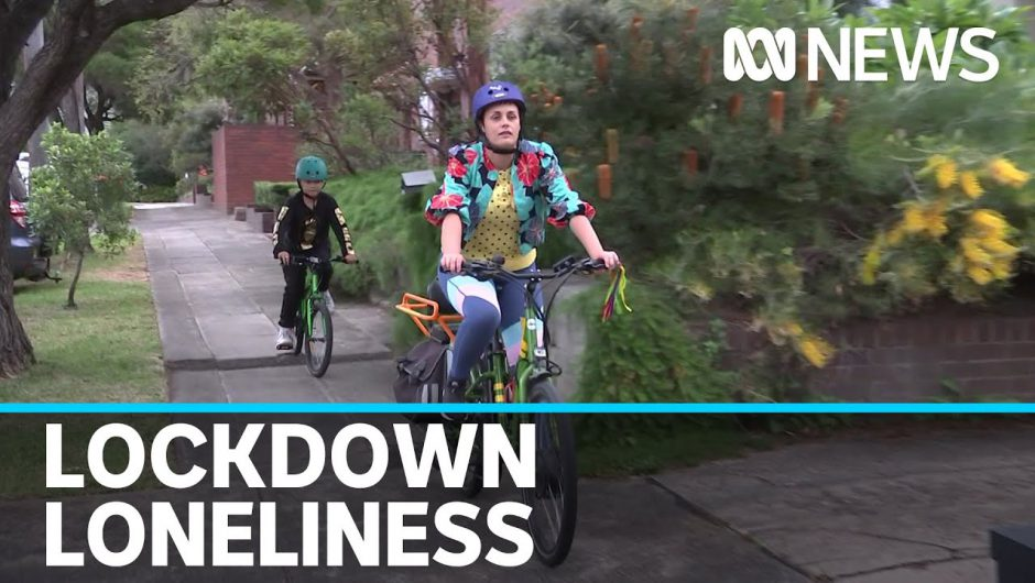 Australians report higher levels of anxiety, stress and loneliness thanks to COVID-19   ABC News