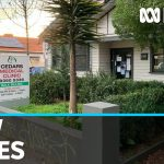 Melbourne doctor among eight new coronavirus cases in Victoria | ABC News