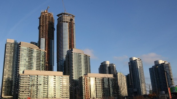 COVID-19 turns Toronto rental market on its head, puts tenants on top