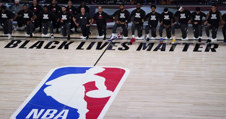 Toronto Raptors kneel for anthems, win 1st real game after COVID-19 break