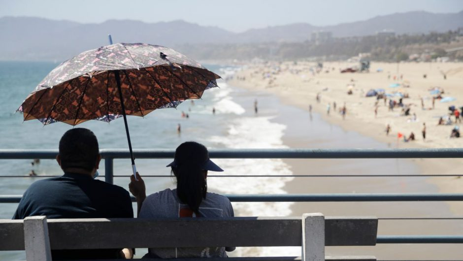 US coronavirus cases rise as Labor Day weekend kicks off