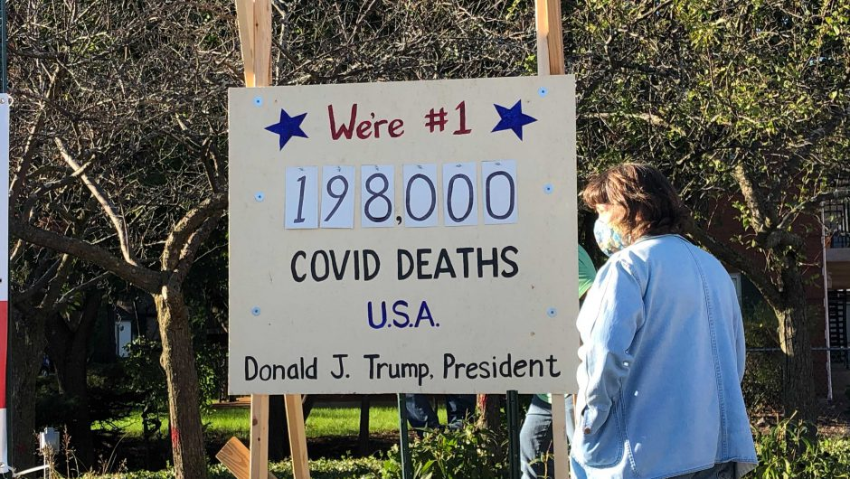 'Coronavirus Death Scoreboard' display stirs controversy in Illinois town