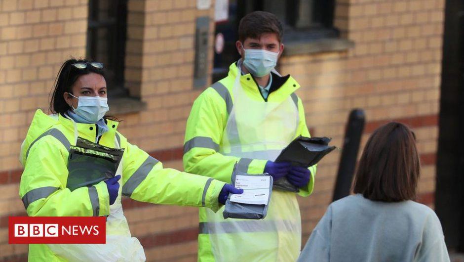 Coronavirus: Students trapped by 'shambolic' return to university, says union
