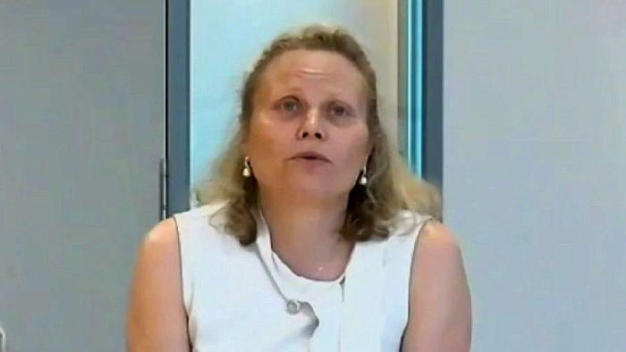 Victoria's top health bureaucrat Kym Peake resigns following coronavirus hotel quarantine inquiry