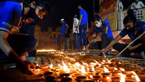 Canadians urged to celebrate Diwali safely during COVID-19 pandemic