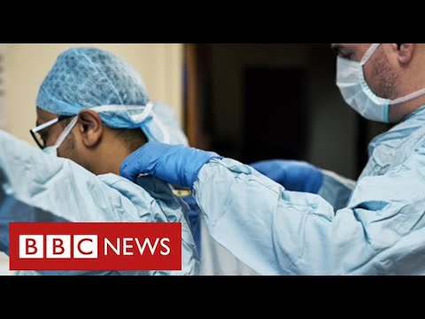 """Watchdog staff say they felt """"leaned on"""" by UK government over PPE safety – BBC News"""