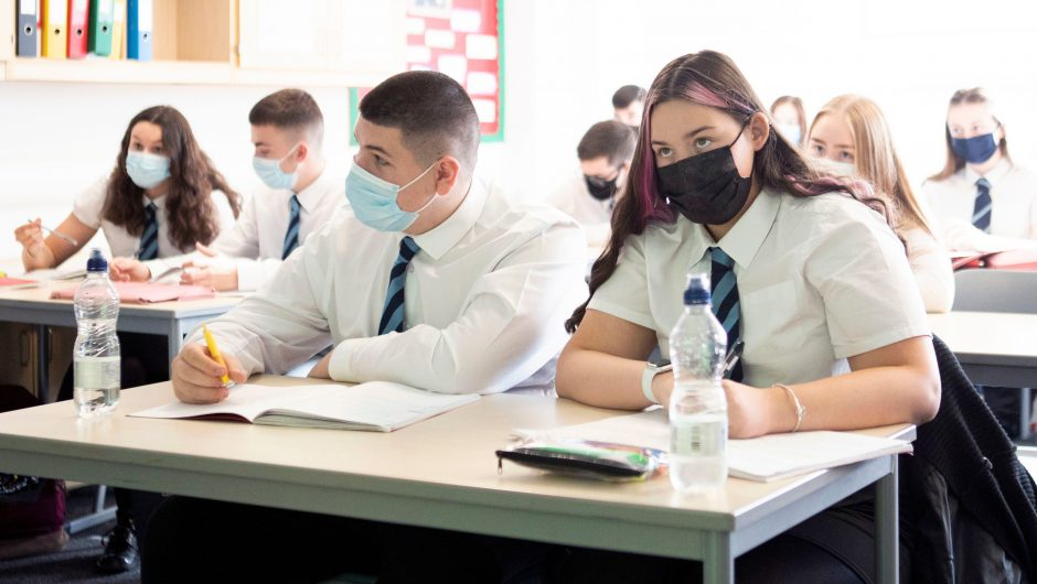 Coronavirus: Scientists call for action after 50-fold rise in infections in schools