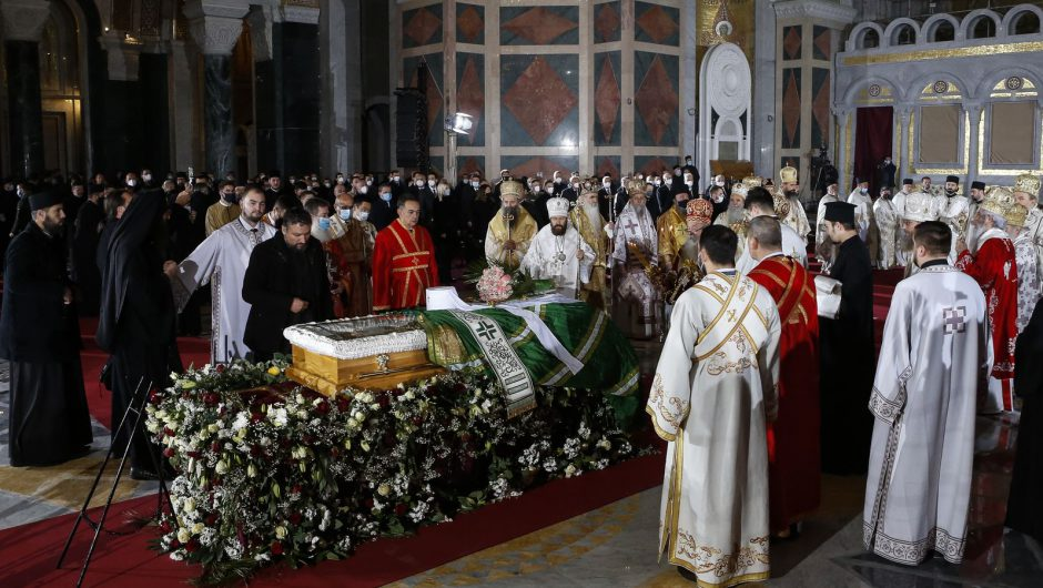 COVID-19 rules shunned at funeral of Serbian church leader who died from virus | World News