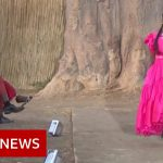 Senegal's fashion week during a pandemic – BBC News