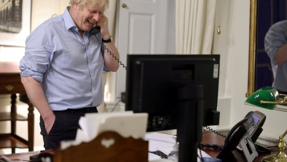 Joe Biden and Boris Johnson discuss Covid-19 recovery in phone call