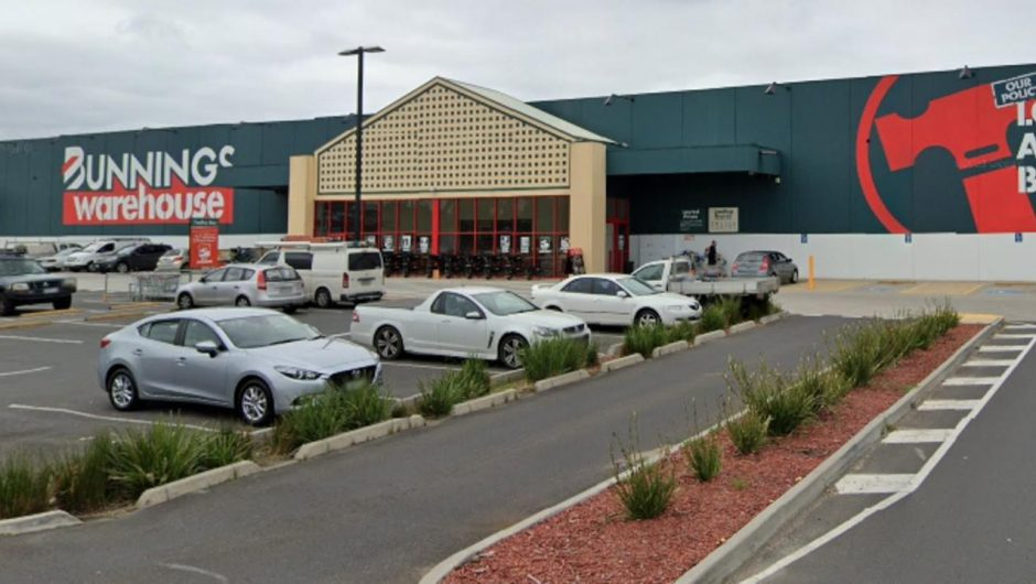 COVID-19 exposure sites Victoria: Coles, Kmart, Bunnings added to list