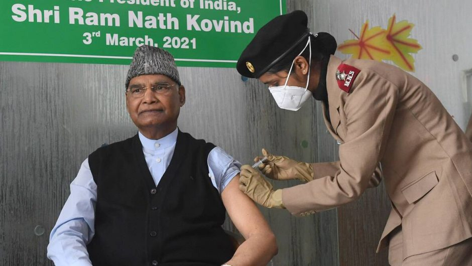 Covid-19 active cases and deaths, Covid-19 Vaccine Registration in Maharashtra, Pune, Delhi